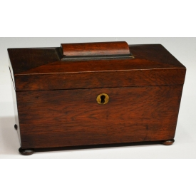 ENGLISH VICTORIAN ROSEWOOD TEA CADDY