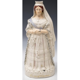 LARGE ENGLISH STAFFORDSHIRE FIGURE QUEEN VICTORIA