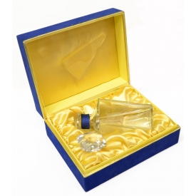 BACCARAT CRYSTAL DECANTER IN PRESENTATION BOX