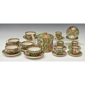 (24) CHINESE EXPORT ROSE MEDALLION TEA SERVICE