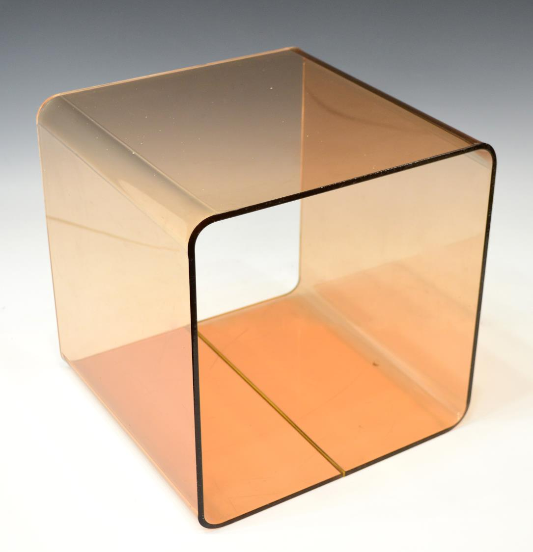 Italian modern tinted plexiglass cube form bench january for Forme in plexiglass