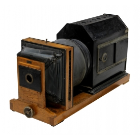LARGE ANTIQUE MAGIC LANTERN SLIDE PROJECTOR