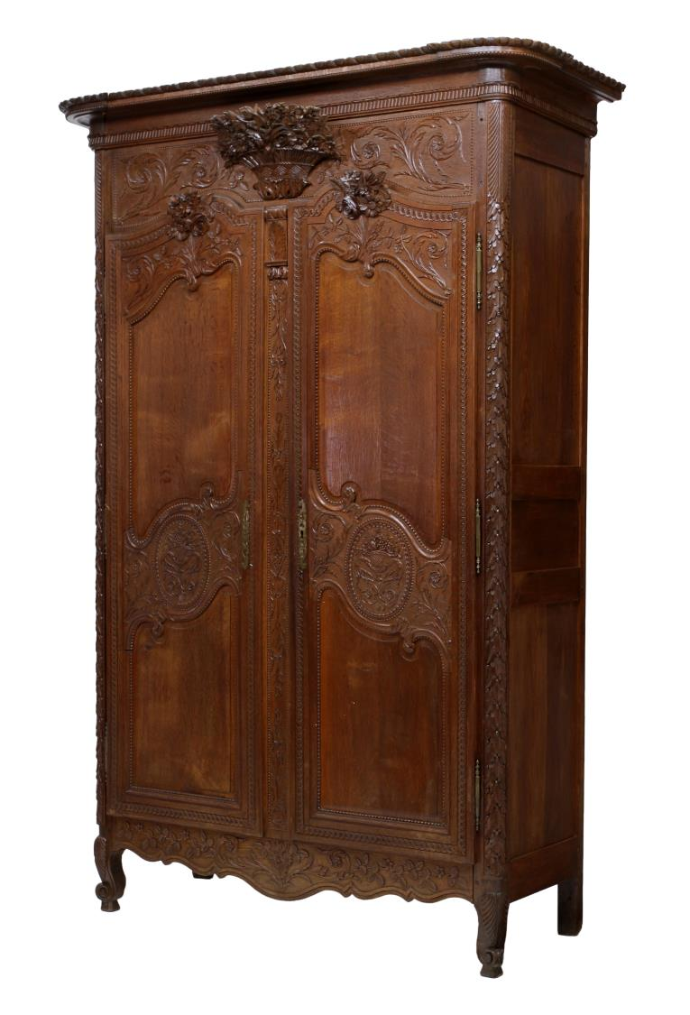 french louis xv style carved marriage armoire special italian mid century design antiques. Black Bedroom Furniture Sets. Home Design Ideas
