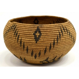 WASHOE NATIVE AMERICAN WOVEN BASKET