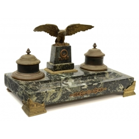 CONTINENTAL EAGLE MOUNTED GREEN MARBLE INKSTAND