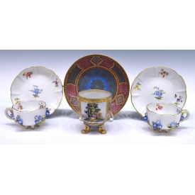 MEISSEN FLORAL ENCRUSTED & PAINTED CUPS & SAUCERS