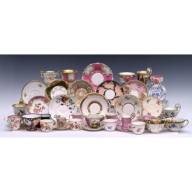 (LOT) LARGE COLLECTION OF TEACUPS & SAUCERS