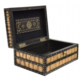 ANGLO-INDIAN INLAID PORCUPINE QUILL BOX