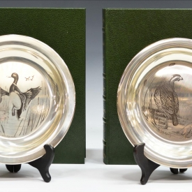 (2) STERLING SILVER BIRD PLATES, RICHARD YOUNGER