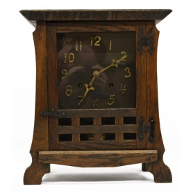 NEW HAVEN ARTS & CRAFTS CASED MANTLE CLOCK