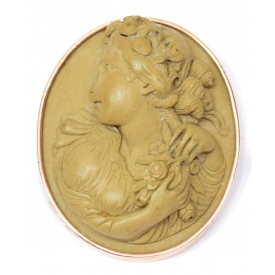 LADIES HIGH RELIEF CARVED LAVA & CAMEO BROOCH