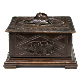 BLACK FOREST FOLIATE CARVED & FITTED CIGAR BOX